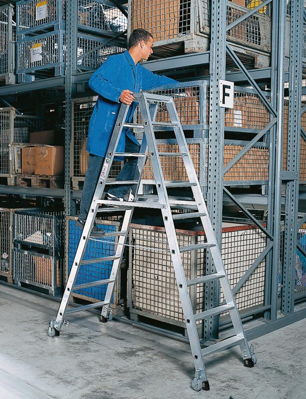 Aluminiumleiter fahrbar zweiseitig mit je 8 Stufen